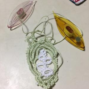 2色で編むタティングレースお花ドイリー