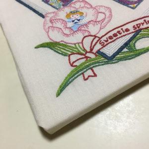 かわいい刺しゅう春のタペストリー